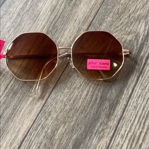 Betsey Johnson octagon sunglasses